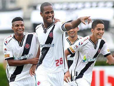 Benfica negoceia Dedé no Rio de Janeiro