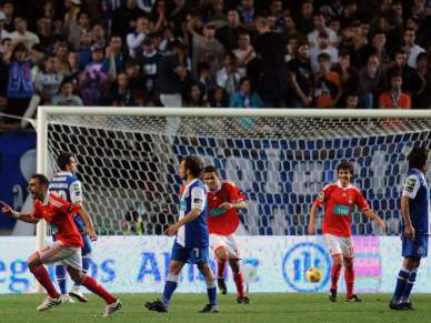 Benfica goleador tenta quebrar hegemonia azul