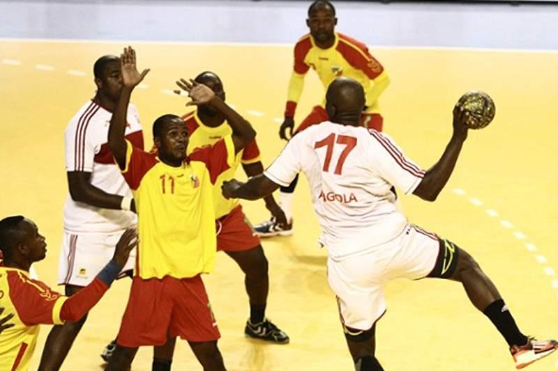 Angola sofre para afastar Camarões no Africano