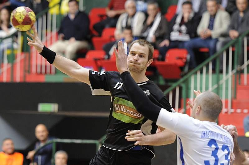 Bosko Bjelanovic regressa ao Sporting