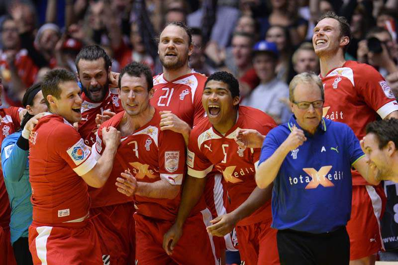 Dinamarca e França afastam Croácia e Espanha da final