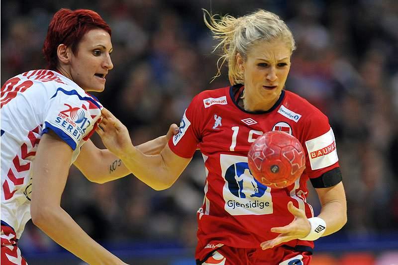 Noruega vence Sérvia no arranque do Europeu feminino
