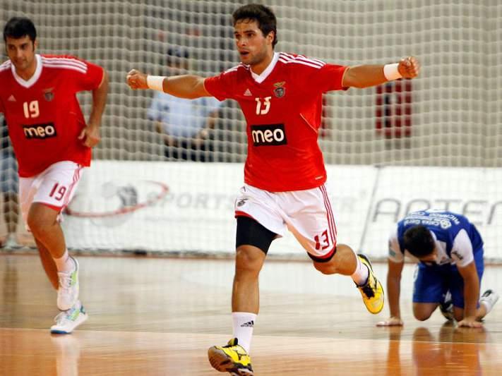 Águas Santas perde e Benfica assume liderança