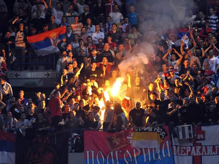 Sérvia e Dinamarca disputam final do Euro2012