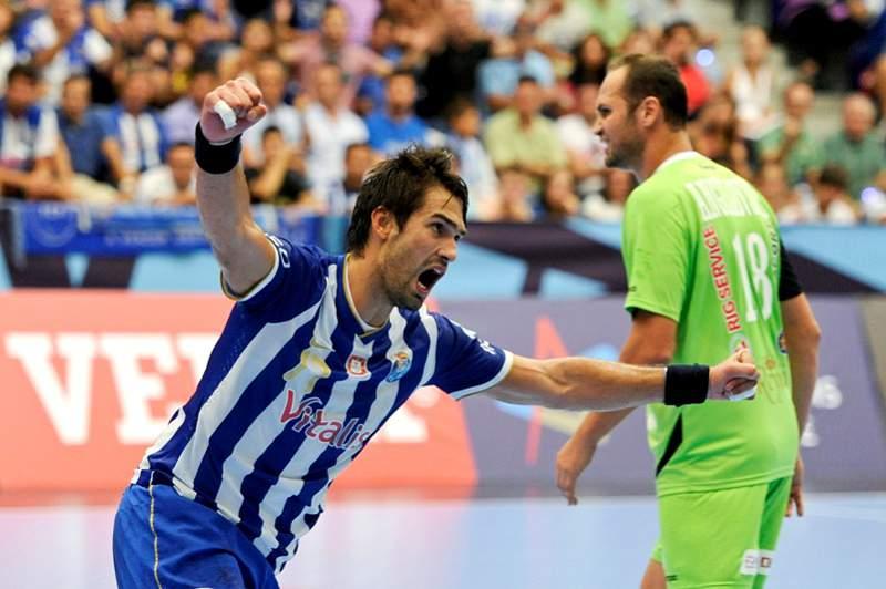 FC Porto empata e adia título