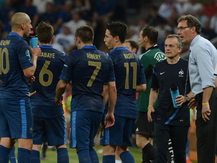 França e Inglaterra em vantagem para garantir últimos lugares nos