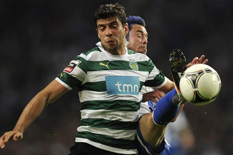 Sporting em convulsão visita o FC Porto com o Benfica à espreita