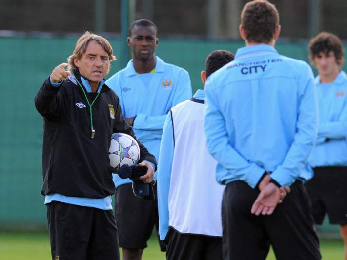 Mancini aceita desculpas de Tevez