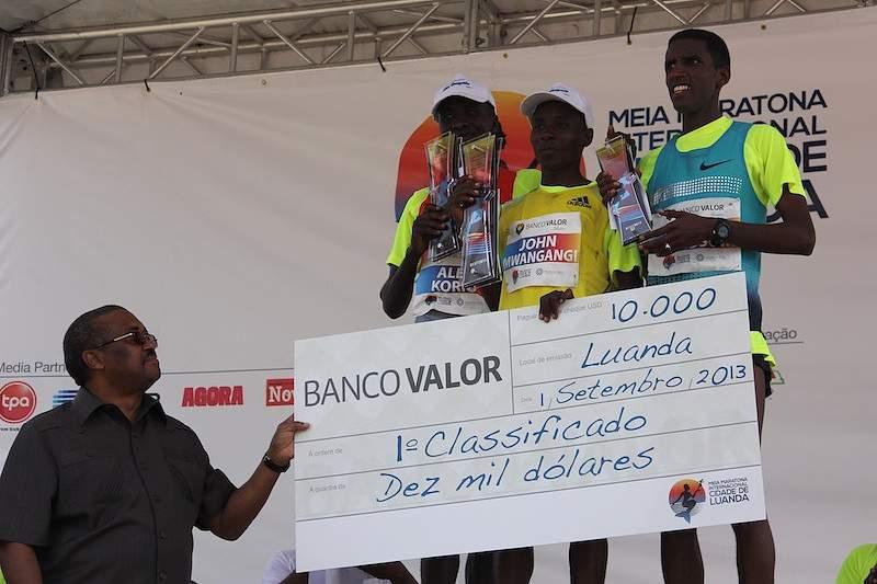 Quenianos dominam prova em Luanda