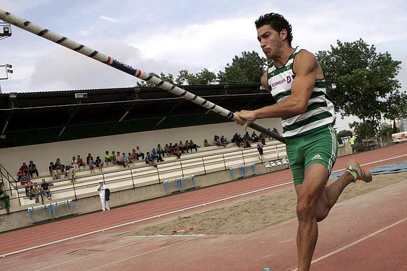 Edi Maia bate recorde nacional do salto com vara