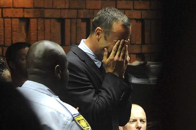 Pistorius já está em casa de um tio