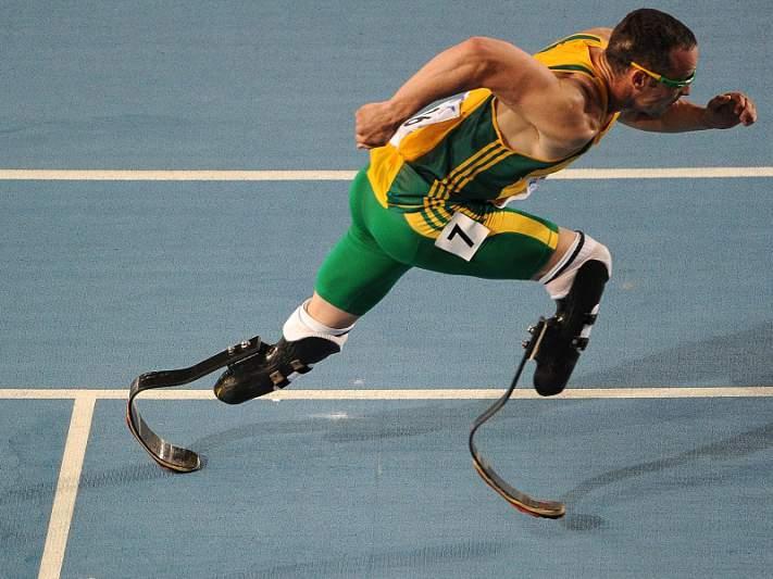 Pistorius eleito atleta do ano por associação sul-africana