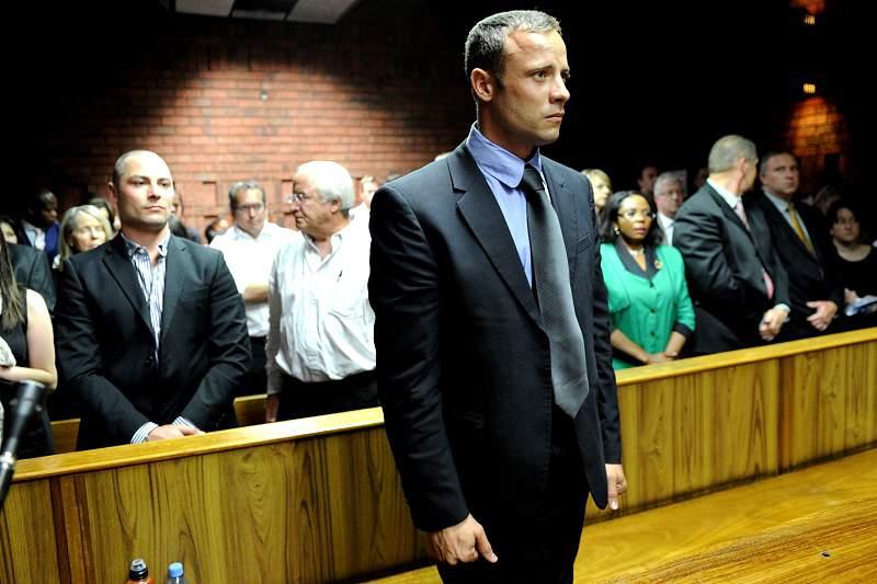 Defesa de Pistorius expõe falhas na investigação