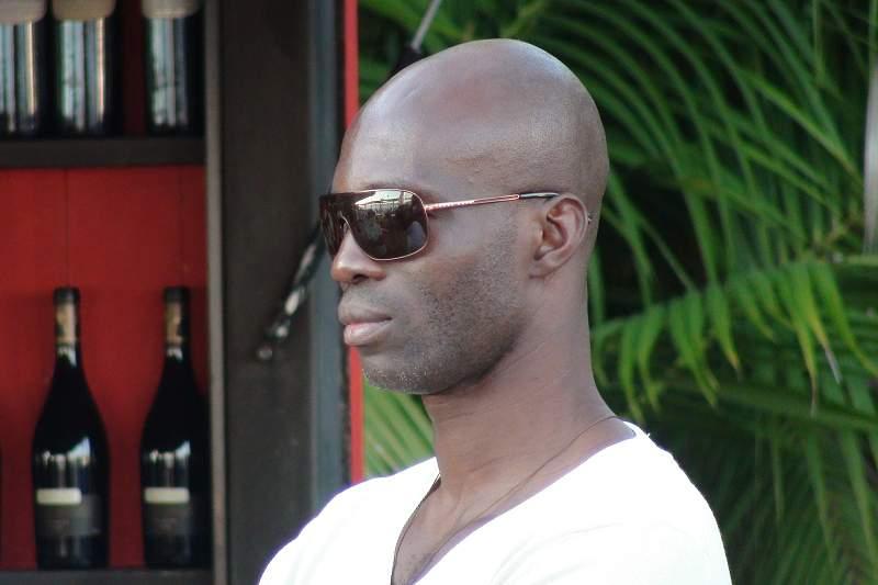 Francis Obikwelu marcou presença na apresentação da Night Run