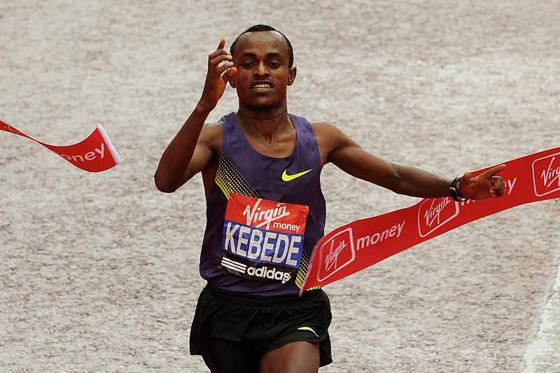 Etíopes Kebede e Baysa vencem maratona de Chicago