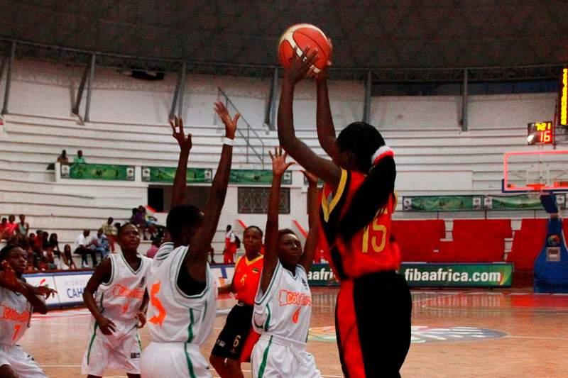 Moçambique segue para meias-finais