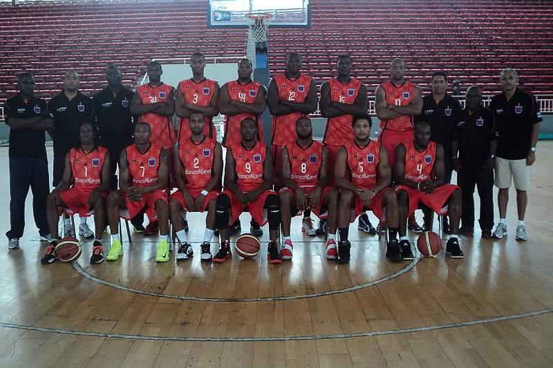 Angolanos dominam campeonato