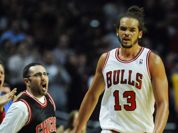 Bulls abatem Raptors no prolongamento
