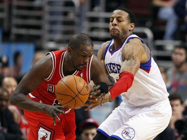Bulls afastados de forma inesperada pelos 76ers
