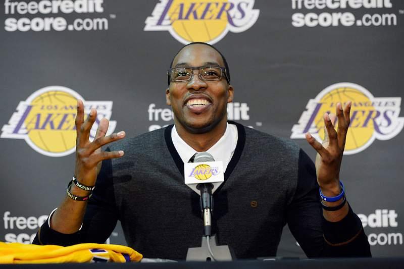 Howard «feliz» por chegar aos Lakers