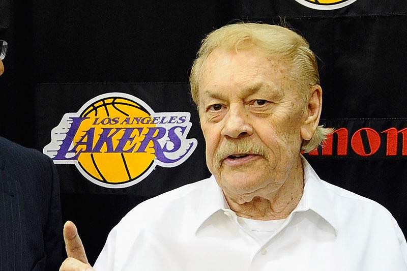 Proprietário dos Los Angeles Lakers morre aos 79 anos