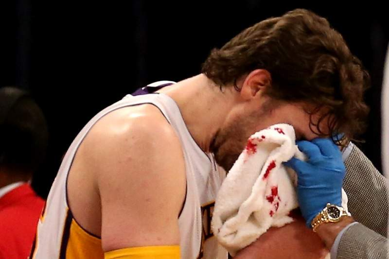 Gasol desfalca Lakers por duas semanas
