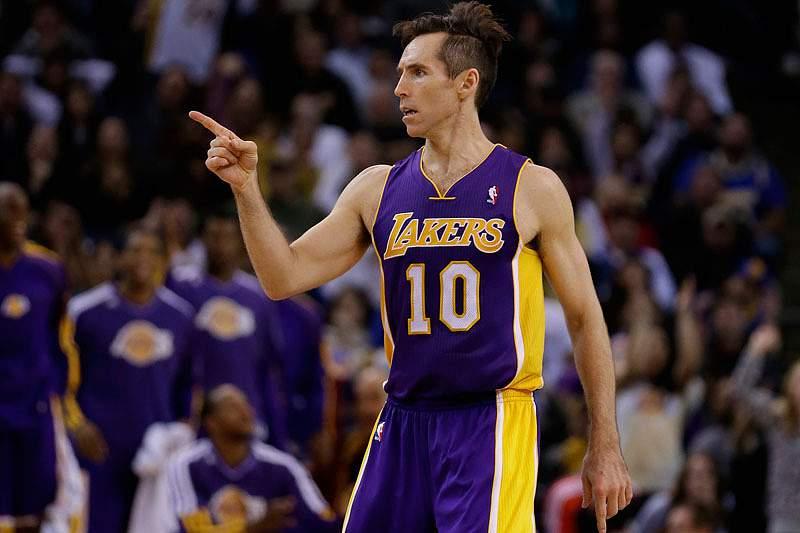 LA Lakers continuam em queda livre