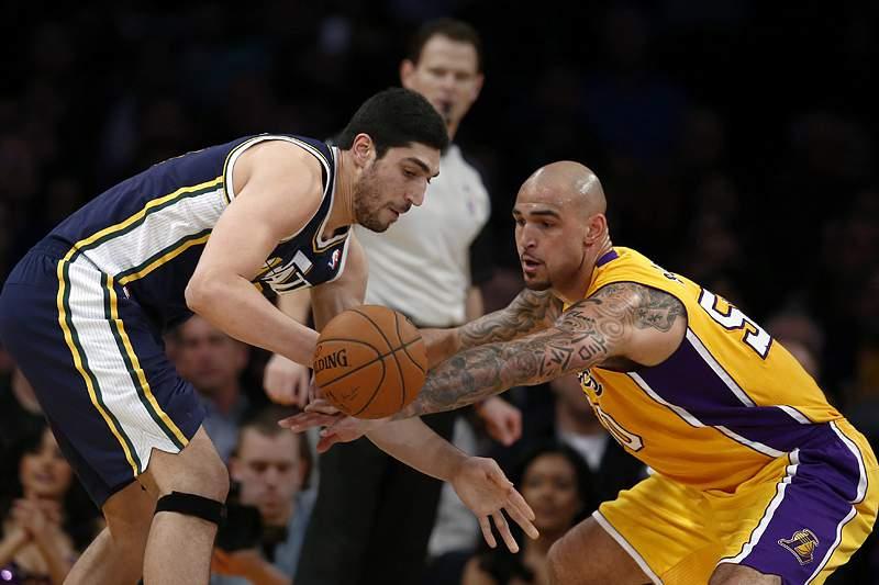Lakers somam sexta derrota consecutiva
