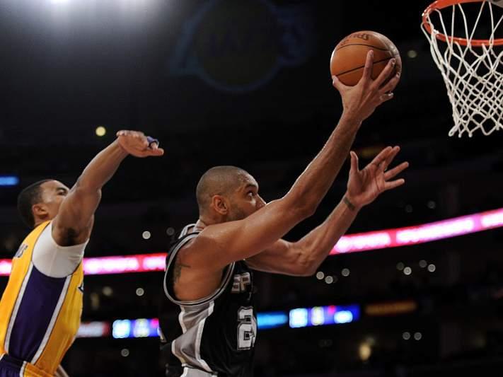Spurs impõem domínio no Oeste