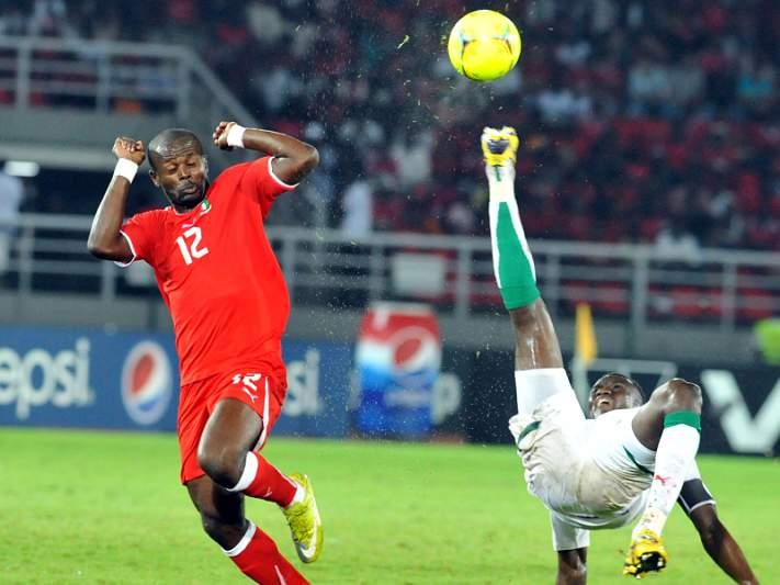 Ekanga Amia e a pior simulação de sempre no futebol