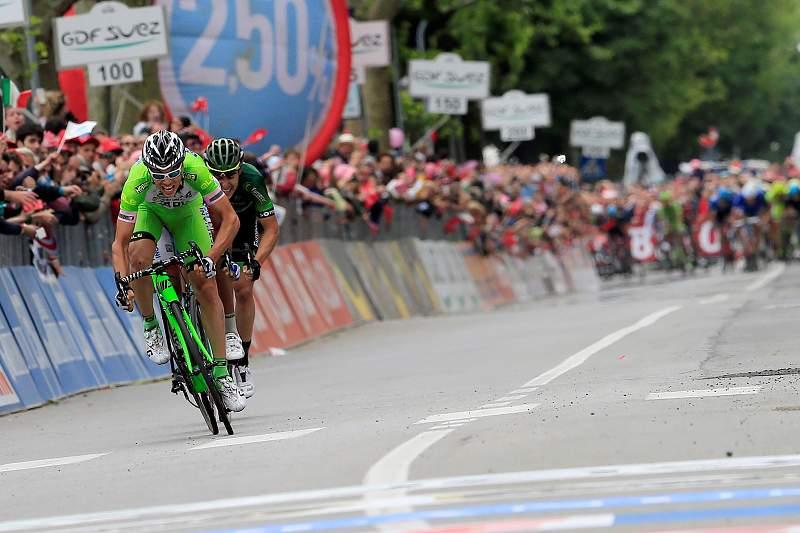 Canola ganha etapa 13 do Giro