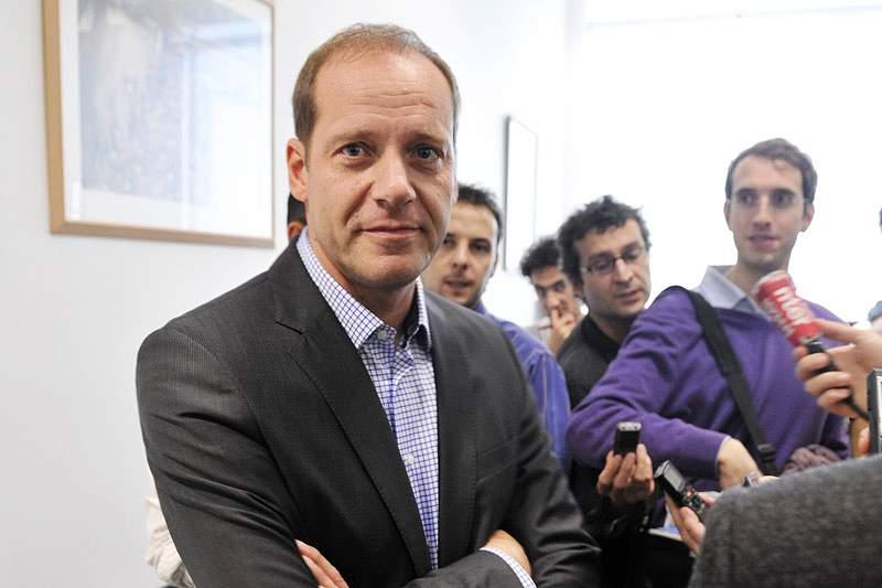 Prudhomme exige a Armstrong a devolução dos prémios