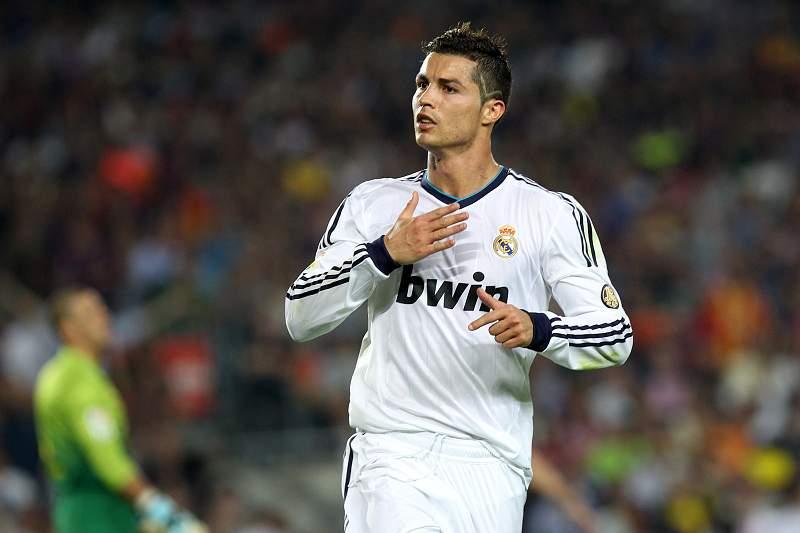 Ronaldo é suplente diante do Barcelona