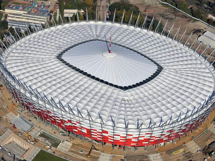 Estádio Nacional de Varsóvia inaugurado com concerto