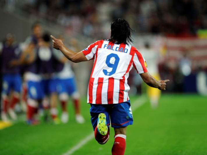 Chelsea oferece 56,5 milhões por Falcao
