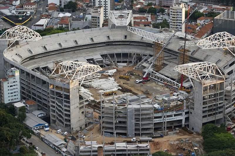 Operário morre nas obras da Arena Palestra