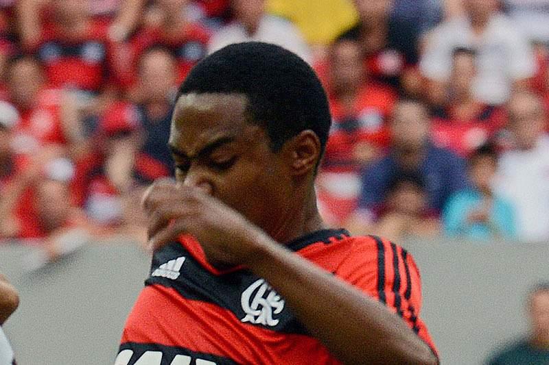Elias marca e Flamengo está na final