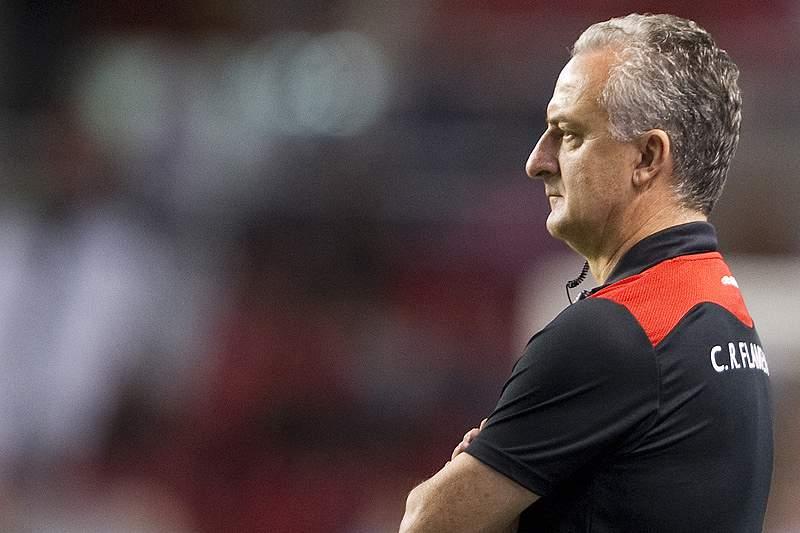 Flamengo despede Dorival Júnior