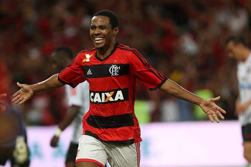 Flamengo oferece quatro milhões por Elias