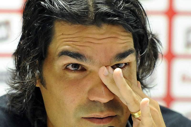 Fernandão chora na despedida como técnico