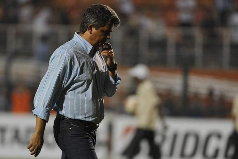 Ney Franco despedido e frustrado