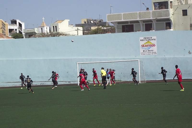 Meias-finais podem não ter equipas de S. Vicente