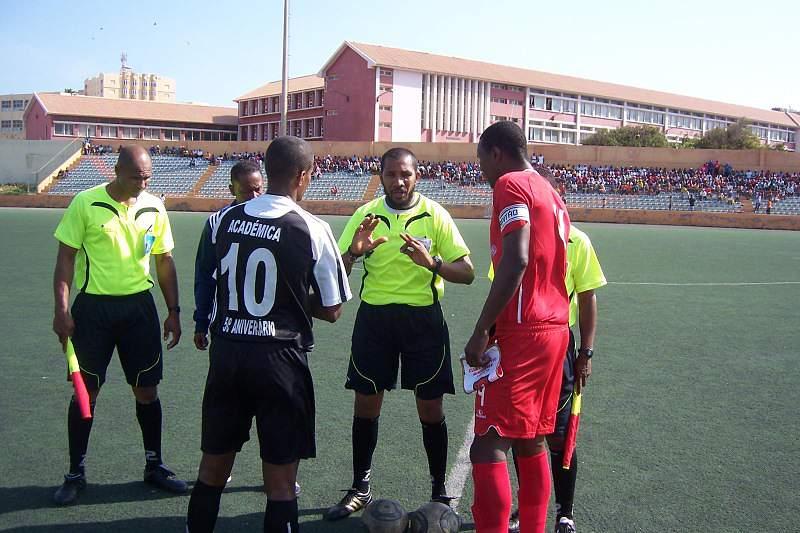 Mindelense inicia defesa do título com goleada