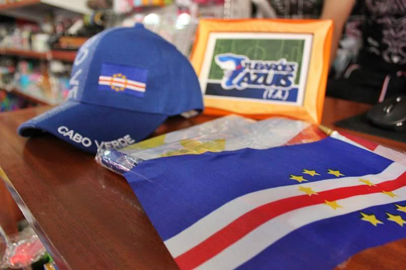 Cabo Verde coberto de azul para apoiar a seleção