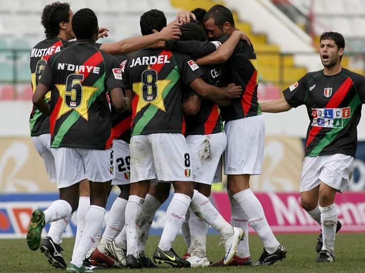 Credores do Estrela da Amadora aceitam uma proposta de aquisição do estádio
