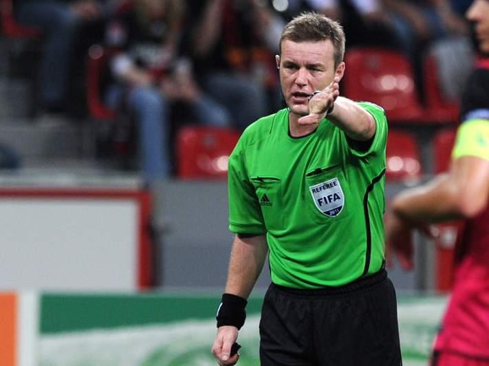 Irlandês Alan Kelly arbitra jogo entre Portugal-Macedónia