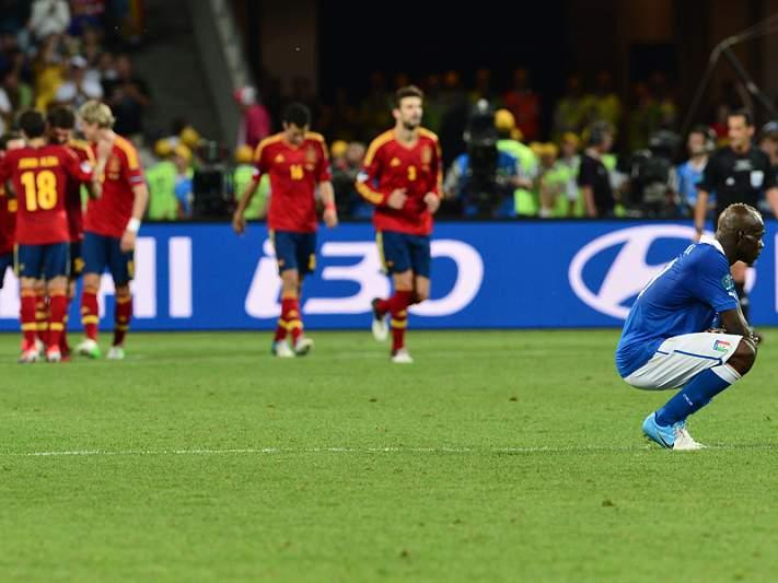 Goleada inédita em finais de Europeus