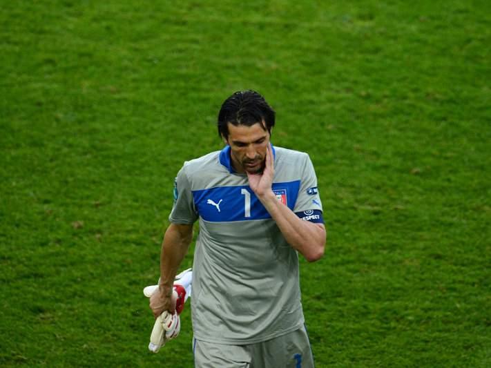 Buffon perto de igualar Cannavaro