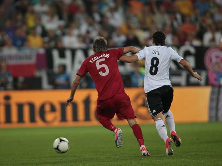 UEFA distingue Ozil como melhor em campo