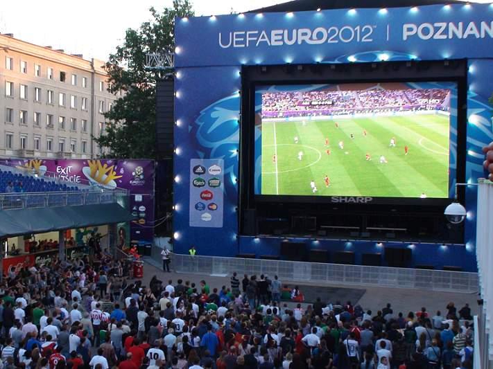 Cristiano Ronaldo, a bandeira portuguesa em Poznan